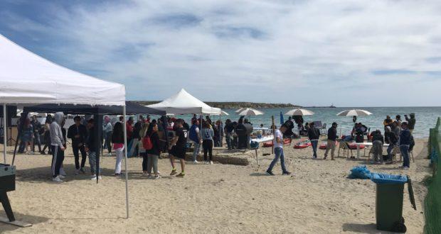Marina di priolo decine di persone al lido bagno 64 per solidariet guarda il video digitale - Bagno il lido marina di grosseto ...