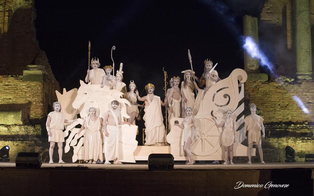 """In scena a Siracusa il 3 e 4 ottobre """"Al passo coi Templi – Il Risveglio degli dei"""" di Marco Savatteri"""