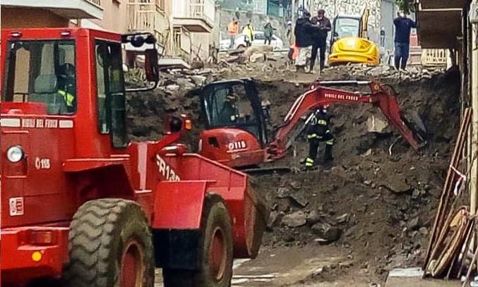 Sardegna – Continuano le operazioni di rimozione fango nel comune di Bitti