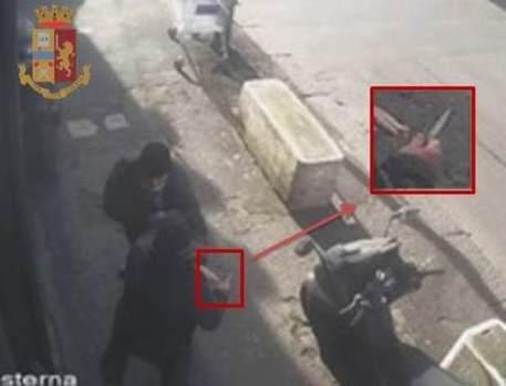 Geloso ferisce rivale, 78enne arrestato per tentato omicidio