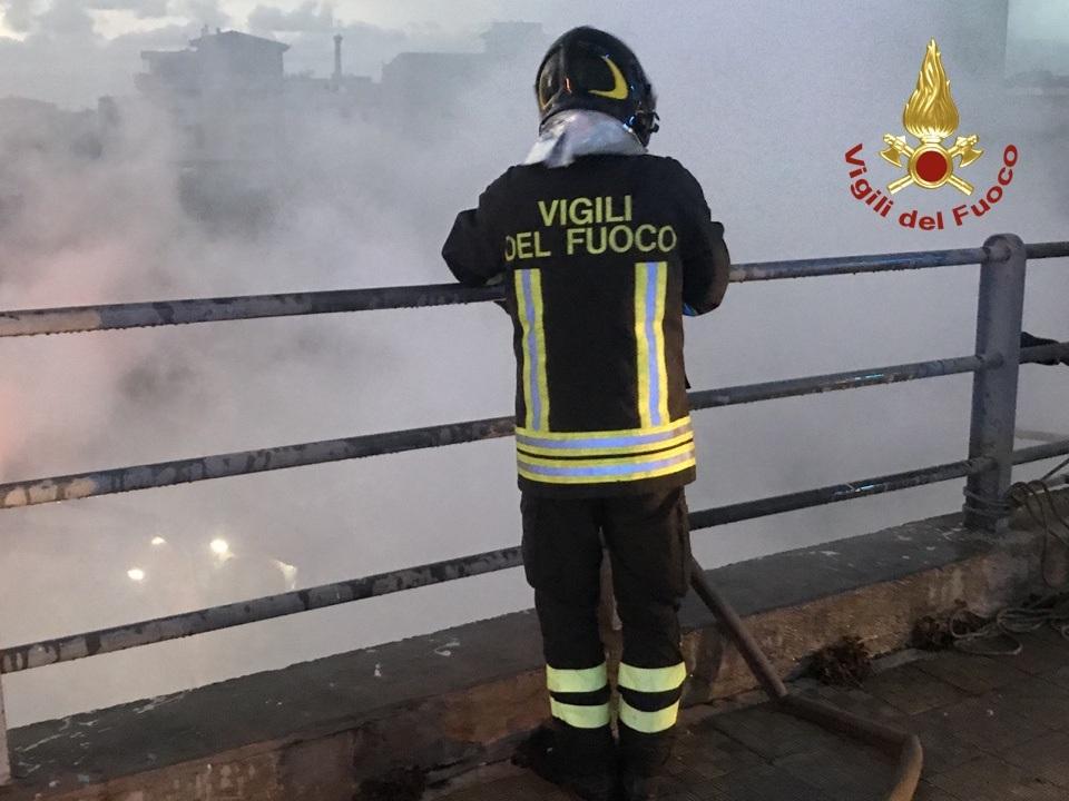 Bagheria- Incendio  cataste di legno – Video