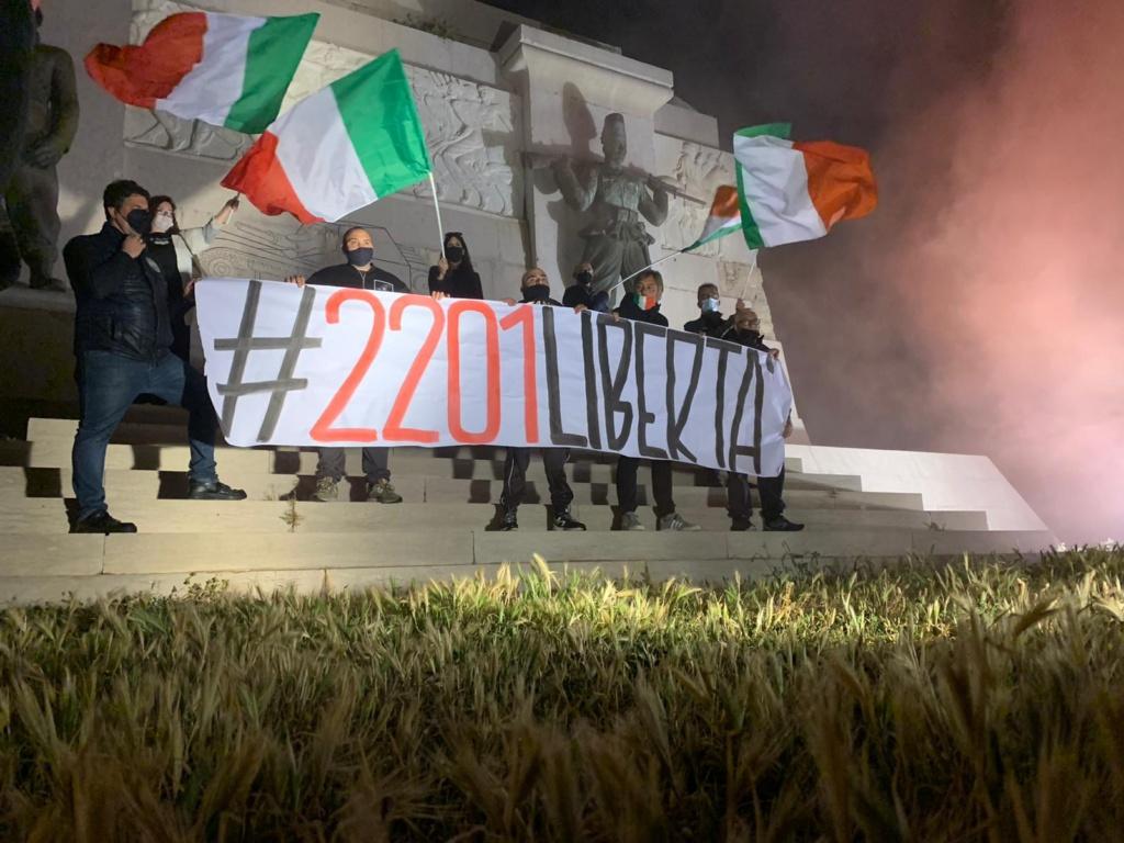 Siracusa – CasaPound Italia aderisce alle proteste contro coprifuoco