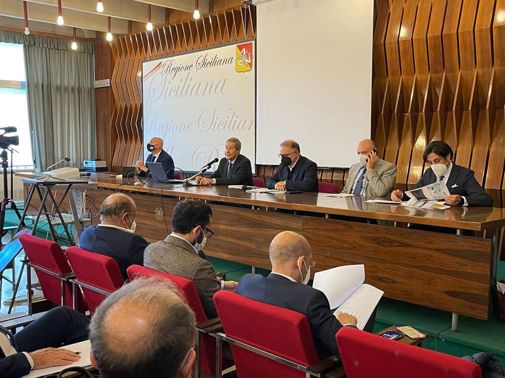 Covid, Musumeci incontra i direttori generali della sanità siciliana