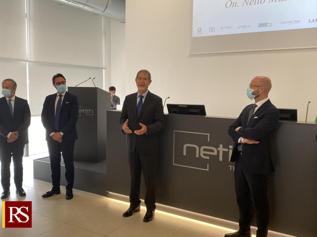 Musumeci in visita alla Netith Futuro della Sicilia è nell'innovazione e nel digitale