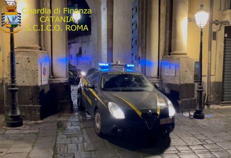 Droga: Gdf sgomina 'cartello' a Catania, ordinanza per 13