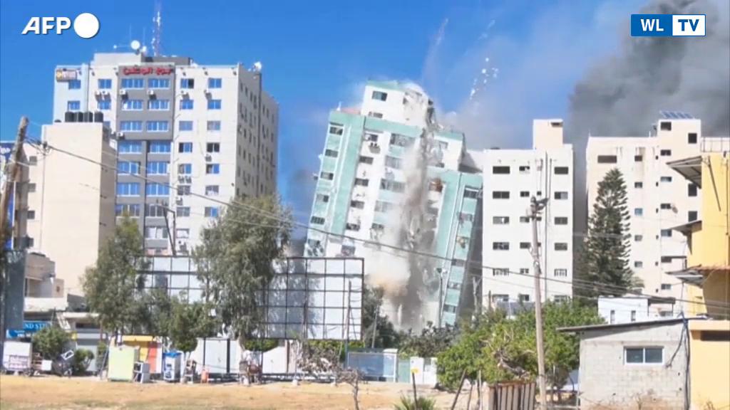 Gaza, il bombardamento del palazzo della sede dell'Ap e di Al Jazeera