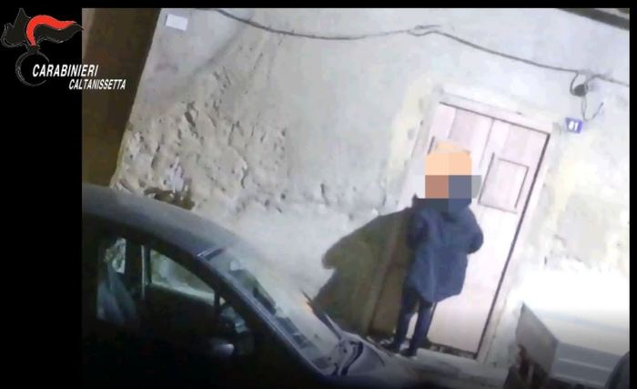 Droga: quattro arresti Cc nel Nisseno, anche padre e 2 figli