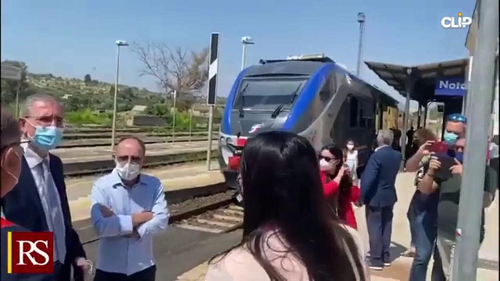 """In treno nel Sud-Est siciliano con il """"Barocco Line"""""""