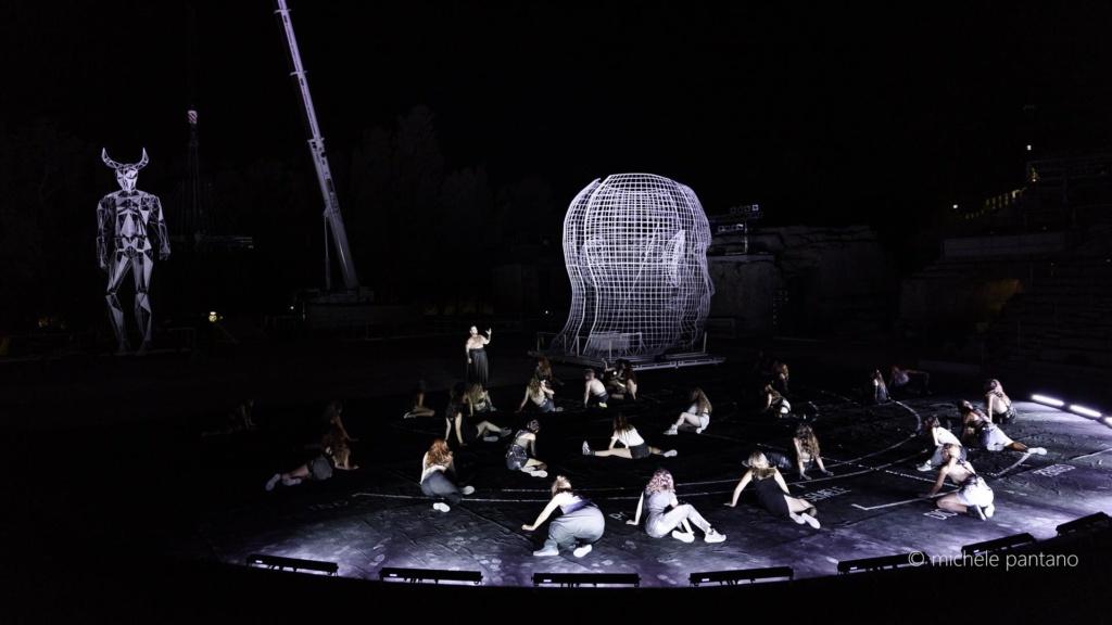 Teatro Greco di Siracusa – Applausi e ovazioni per Carlus Padrissa e La Fura dels Baus per il debutto di Baccanti